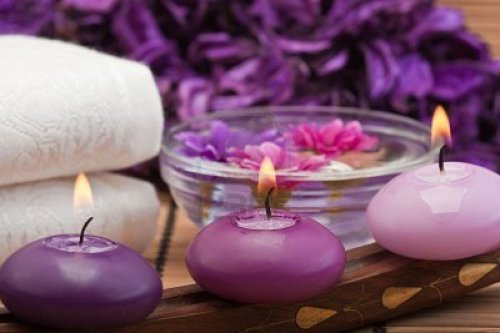 spa-candles-and-flowers