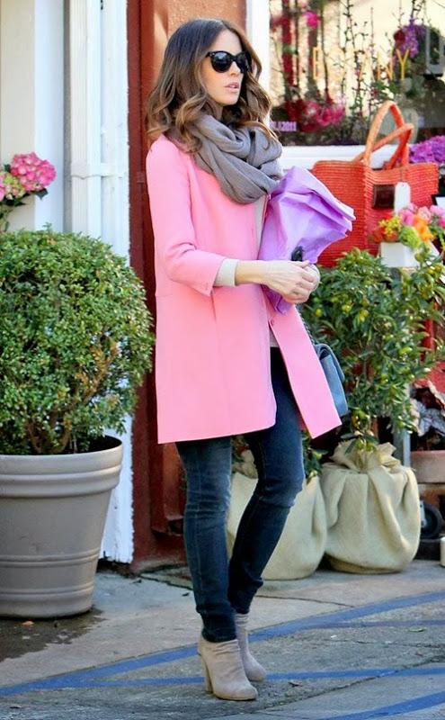 pink-coat-kate-beckinsale_thumb3